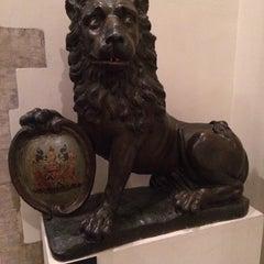 Photo taken at Museum van de Stad Brussel / Musée de la Ville de Bruxelles by Gregory T. on 3/20/2015