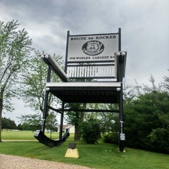 Photo taken at World's Largest Rocking Chair by Anna S. on 6/5/2015
