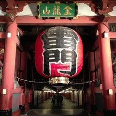 Photo taken at 浅草寺 雷門 (Kaminarimon Gate) by Masayoshi T. on 6/8/2013