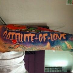 Photo taken at Evolution Tattoo by Frankspotting @teporingo C. on 12/9/2014