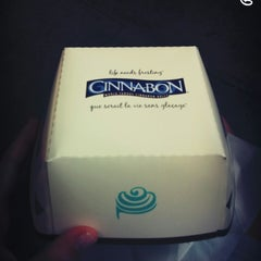 Photo taken at Cinnabon by Zeynep K. on 8/25/2014