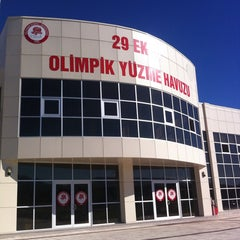 Photo taken at 29 Ekim Olimpik Yüzme Havuzu by Remziye I. on 10/24/2013