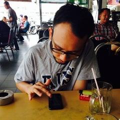 Photo taken at Restoran Firdouse by samzahri on 10/6/2014