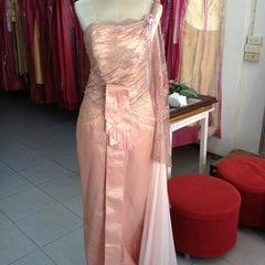 Photo taken at ร้านคุณน้อง Wedding & Studio มหาชัย สมุทรสาคร by iSapphawat on 10/18/2012