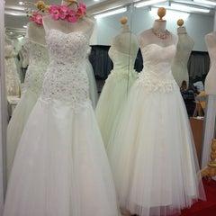 Photo taken at ร้านคุณน้อง Wedding & Studio มหาชัย สมุทรสาคร by iSapphawat on 3/4/2013