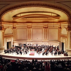 Photo taken at Carnegie Hall (Stern Auditorium/Perelman Stage) by J L. on 10/29/2013