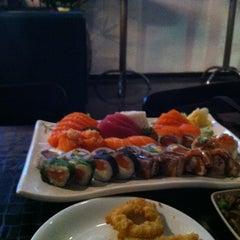 Photo taken at Joy Sushi by Thayna N. on 7/4/2013