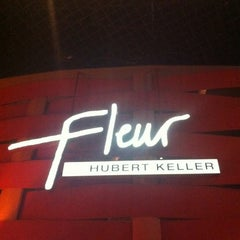 Photo taken at Fleur by Hubert Keller by Mathieu H. on 10/16/2012