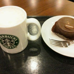 Photo taken at Starbucks Coffee ひたち野うしく店 by m nathalie s. on 2/22/2013