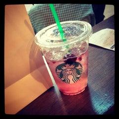 Photo taken at Starbucks by Ilse G. on 4/8/2013