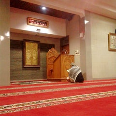 Photo taken at Masjid Al Murosalah by Aditia A. P. on 7/10/2013
