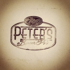 Photo taken at Peter's Burger Pub by Baru H. on 5/16/2013