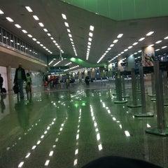 Photo taken at Aeroporto Internacional do Rio de Janeiro / Galeão (GIG) by Victor A. on 10/16/2013