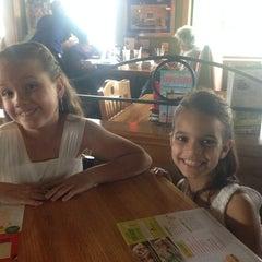 Photo taken at Applebee's by Shon C. on 5/9/2014