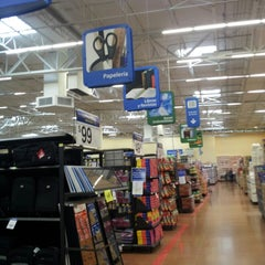 Foto tomada en Walmart Paraíso por Aldo T. el 5/16/2013