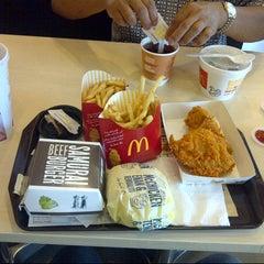 Photo taken at McDonald's & McCafé by Erfian Febi H. on 7/4/2013