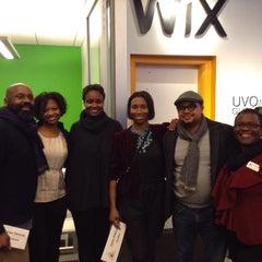 Photo taken at Wix Lounge by Dei W. on 11/21/2014