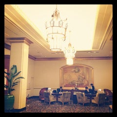 Photo taken at ホテル ザ・マンハッタン(HOTEL THE Manhattan) by iPooh3 い. on 9/16/2012