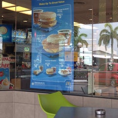 Photo taken at McDonald's by Vincent A. on 9/22/2015