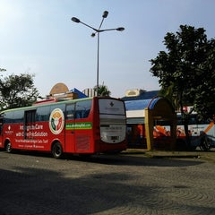Photo taken at Terminal Feeder Busway Trans BSD by Anton C. on 7/17/2013