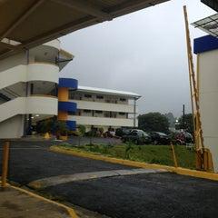 Photo taken at Universidad Fidélitas by Jose R. on 9/11/2013