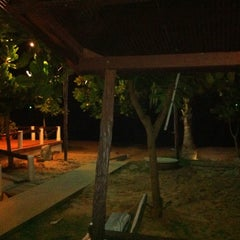 Photo taken at Rattanapura Beach Resort (รัตนปุระ บีช รีสอร์ท) by MMMMMMM on 4/27/2014
