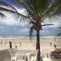 Photo taken at Praia Da Costa by 👸 Michele T. on 10/12/2015