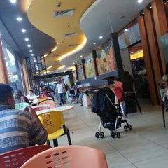 Photo taken at Momo Food Village @ Dataran Pahlawan Megamall by Nurli Suffian Zulkiffeli on 2/3/2013