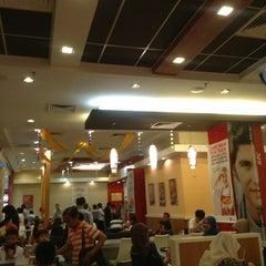 Photo taken at KFC by Deen K. on 3/17/2013