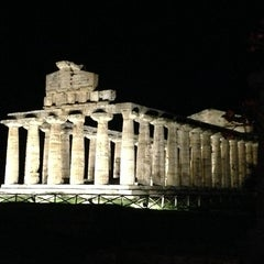 Photo taken at Area Archeologica di Paestum by Rossella S. on 9/15/2014