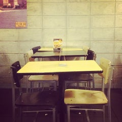 Photo taken at Yellow Cab Pizza Co. by J T. on 4/16/2013