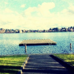 Photo taken at Green Lake Loop by Cassius X. on 2/7/2013