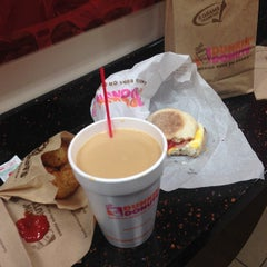 Photo taken at Dunkin Donuts by Sy O. on 2/28/2014