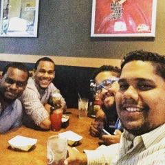 Photo taken at Buffalo Wild Wings Grill & Bar by Jose2038 on 7/12/2015
