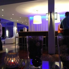 Photo taken at Floris Suite Hotel by Haldar S. on 4/20/2013
