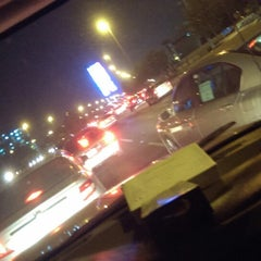 Photo taken at King Abdulaziz Road | طريق الملك عبدالعزيز by Anwaar A. on 9/12/2013
