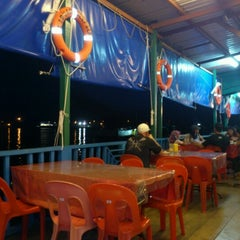 Photo taken at Deepsea Seafood Restaurant by Muhamad Hezri A. on 3/1/2013