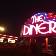 Photo taken at Midnight Diner by Cris N. on 11/2/2012