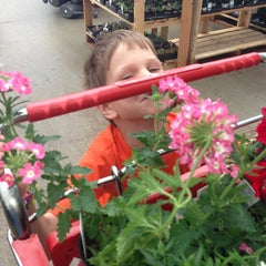Photo taken at Lowe's Home Improvement by Roberta R. on 5/11/2013