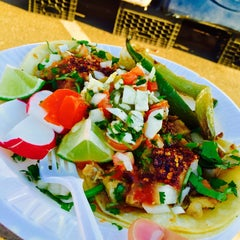 Photo taken at Ixtapa Mexican Taco Truck by Wil S. on 12/17/2014