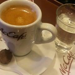 Photo taken at McCafé by Aretuza B. on 1/16/2014