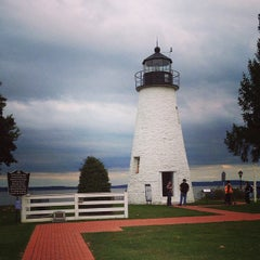 Photo taken at Concord Point and Lighthouse by Kenya on 10/4/2014