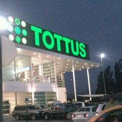 Photo taken at Tottus by Esteban G. on 2/22/2013