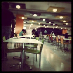Photo taken at Cafeteria @ Yahoo! by Bennet M. on 7/9/2013