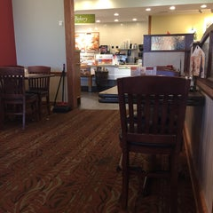 Photo taken at Bob Evans Restaurant by Clive C. on 10/9/2015