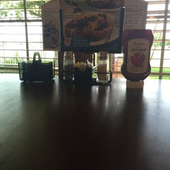 Photo taken at Bob Evans Restaurant by Clive C. on 3/22/2015