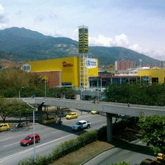 Photo taken at Centro Comercial Puerta del Norte by Félix Andrés V. on 3/2/2013