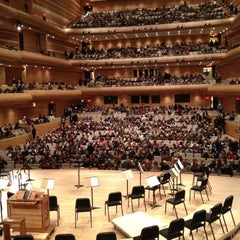 Photo taken at La Maison Symphonique de Montréal by Ian O. on 12/13/2012