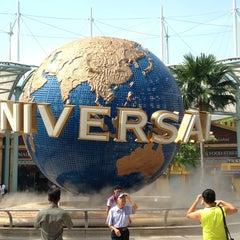 Photo taken at Universal Studios Singapore by Taku 目. on 6/22/2013