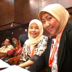 Photo taken at Mahkamah Konstitusi by Hanifa Naufirz A. on 4/20/2015